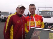 Cykl. preteky Okolo Slovenska. Peter ako masér Dukly Trenčín